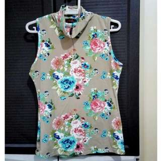Sleeveless floral top and bottom