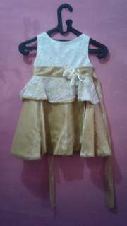 Dress gold