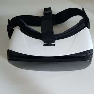 As good as NEW!!! Gear VR Oculus