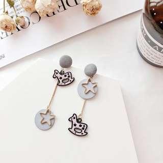 韓國不對秤木馬可愛耳環飾品