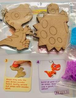 Foam Clay 2 Keychain Kit: Dinosaurs