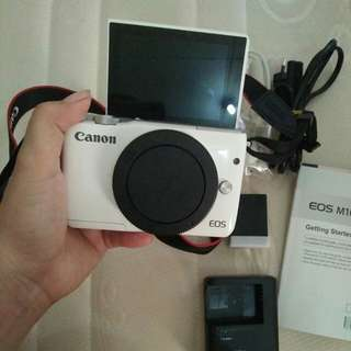 Mirrorless Canon eos m10 white