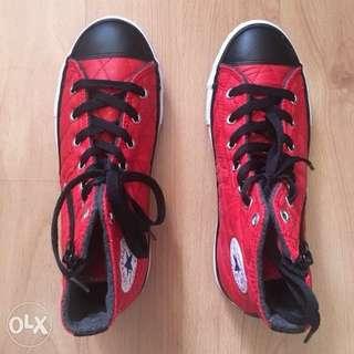 Red/Black High Cut Converse Side Zip