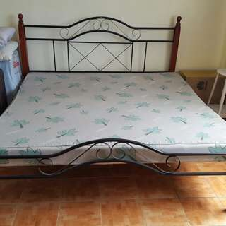 King Size Metal bed frame with Uratex matress
