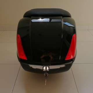 VESPA GTS Super GTV 42L Top Box