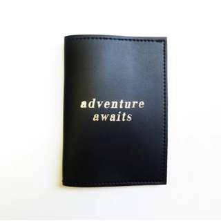 'Adventure Awaits' passport cover/sleeve