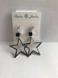 Black stars earrings