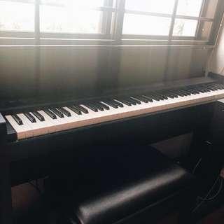 Korg LP 380 digital piano