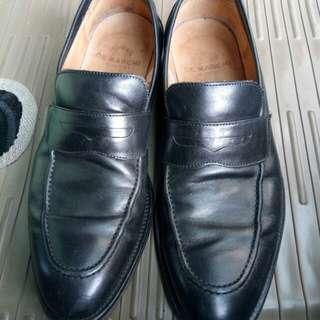 Sepatu Demarchi