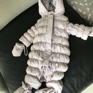 Chateau de sable authentic (USED once) snowsuit full bodysuit romper for babies 6-12months