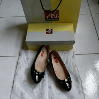 (可議價)阿瘦牛皮高跟鞋(5.5號)(原價$3995)