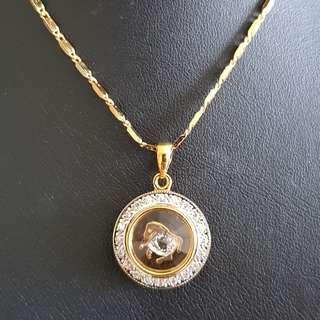 Chinese Horse zodiac lucky charm pendant (时来运转生肖) Gold