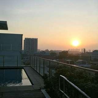 Skyroom studio penthouse rental, 5 min walk Kembangan MRT