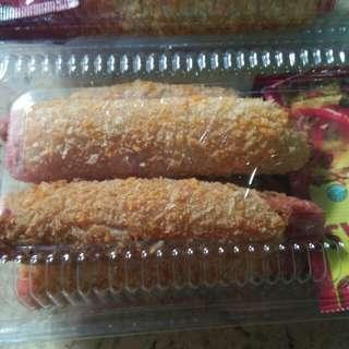 Sosis gulung tepung roti 6000/bungkus isi@5
