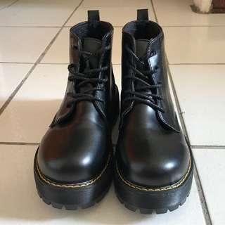 英倫馬丁復古短靴