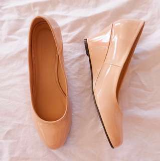 ‼️ Free Shipping‼️ PARISIAN Nude Wedge (Never been used!) Size 7