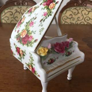 Old country roses musical piano