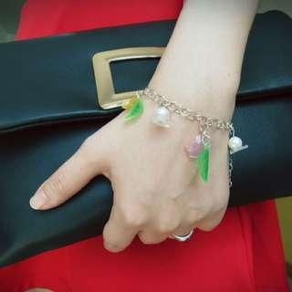 Handmade sweet and simple flower bracelet