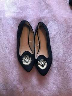 FOREVER 21 LOAFERS SIZE 6.5