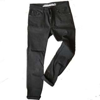 Celana panjang Naomi black denim (34)
