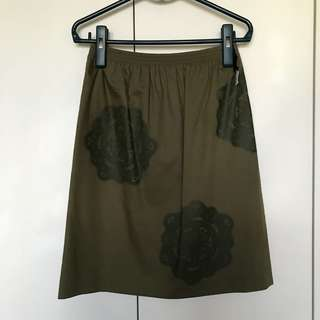 Colour 18 green satin embroidered midi skirt