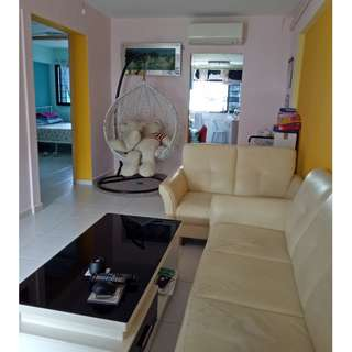 Owner selling 3 room HDB flat in AMK