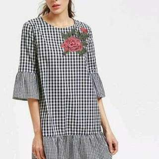 CONSENNSO Plaid Ruffled With Rose Patch Dress