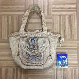 Vintage Floral & Laces Handbag