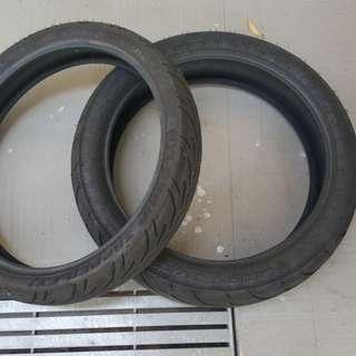 Yamaha R15 Stock tyres