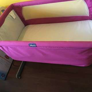 Chicco co sleeper next 2 me crib pink