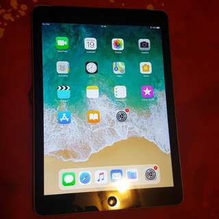 Apple iPad Air Wi-Fi + Cellular (4G/LTE)