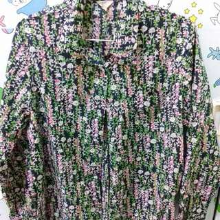 Kemeja floral pattern