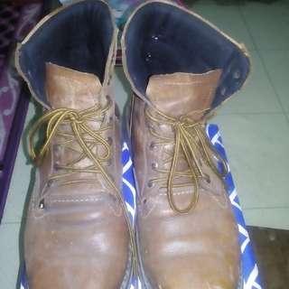 Sepatu size 42