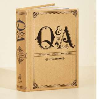 Q&A a day, 5 year journal