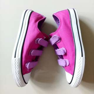 Kids Shoes - Authentic Converse Size US 2
