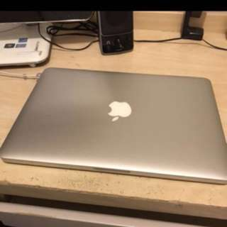Macbook pro 2015 13' 128gb ssd retina display