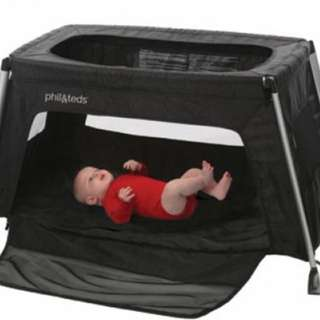 Phil & Teds portable travel cot