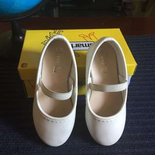 smartfit by Payless white ballet flats