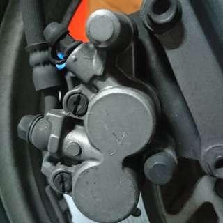 Honda phantom ta200 brake pump n caliper