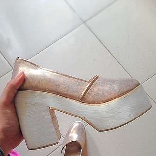 sepatu heels platform
