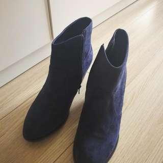 Boots (Oriental Traffic)