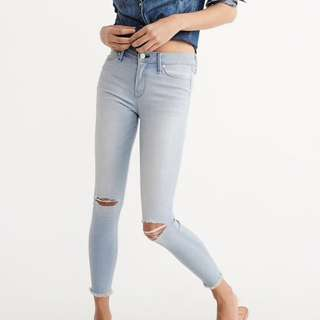 BNWT Abercrombie and fitch A&F skinny ripped jeans