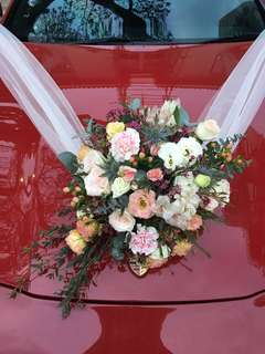 Bridal Car Deco in Fresh Flowers / Wedding Car Decorations