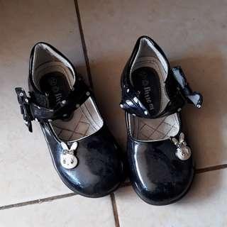 Sepatu Hitam Perempuan No 16 ukuran anak, bisa nego