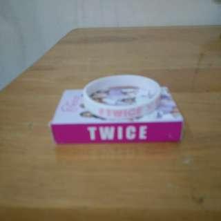 🚚 TWICE撲克牌、手環