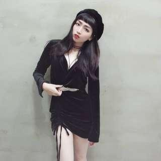 v領絲絨下襬綁帶造型洋裝/葉子造型彈性腰帶/絲絨貝蕾帽/素面簡約綁帶造型脖鍊項鍊