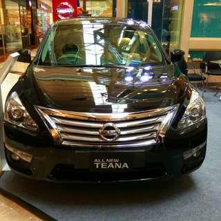Nissan Teana black