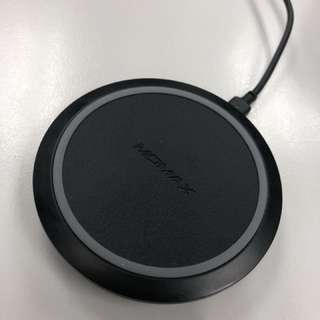 Momax wireless charger for iPhone and android