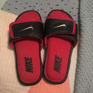Retro Nike Slides