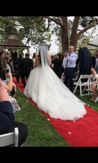 Raffaele Ciuca White Wedding dress size 14-16 worn once with Crown & beaded tulle veil included